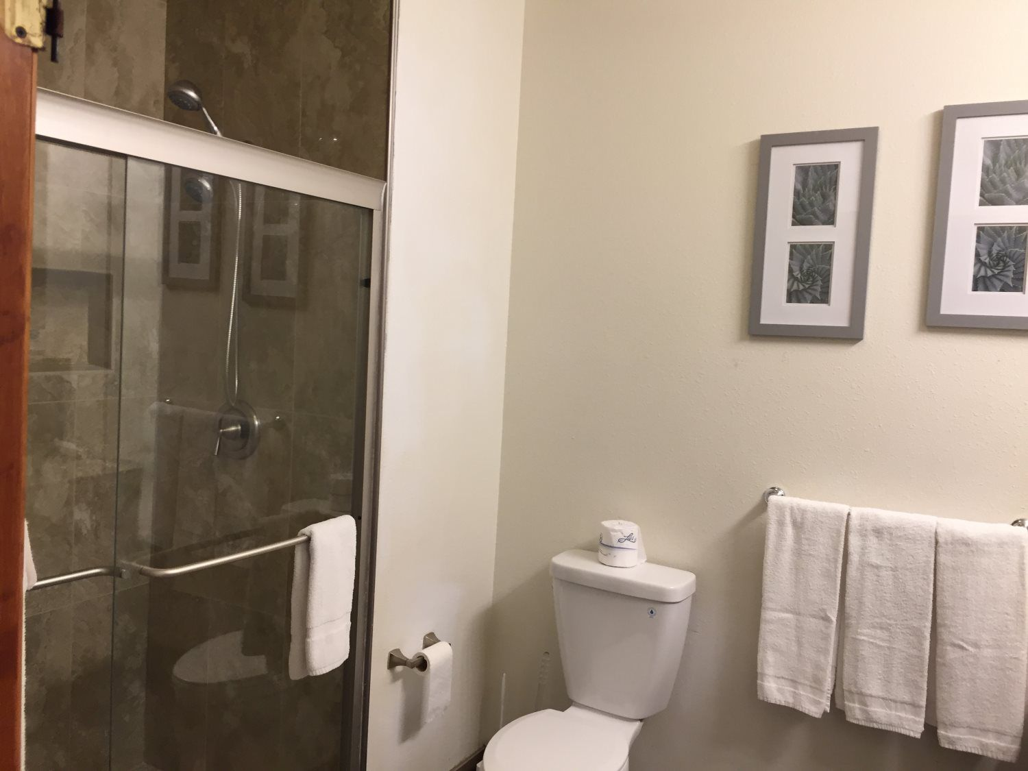 Relaxing And Fun Stay In Idaho Springs Jc Suites