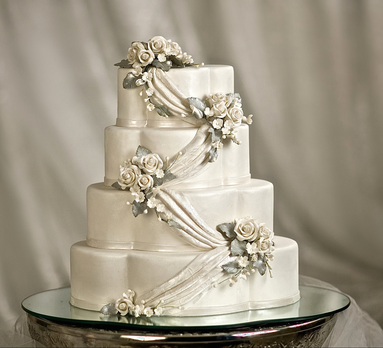 Traditional Cakes Gallery - Sugar Arts Institute: Cake Decorating ...