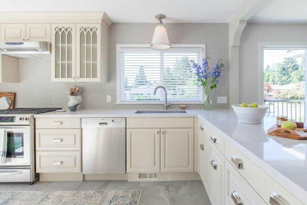 its up to jillian to revive that love and put a stop to the wandering eyes of our homeowners by delivering a show stopping renovation - Interior Design List