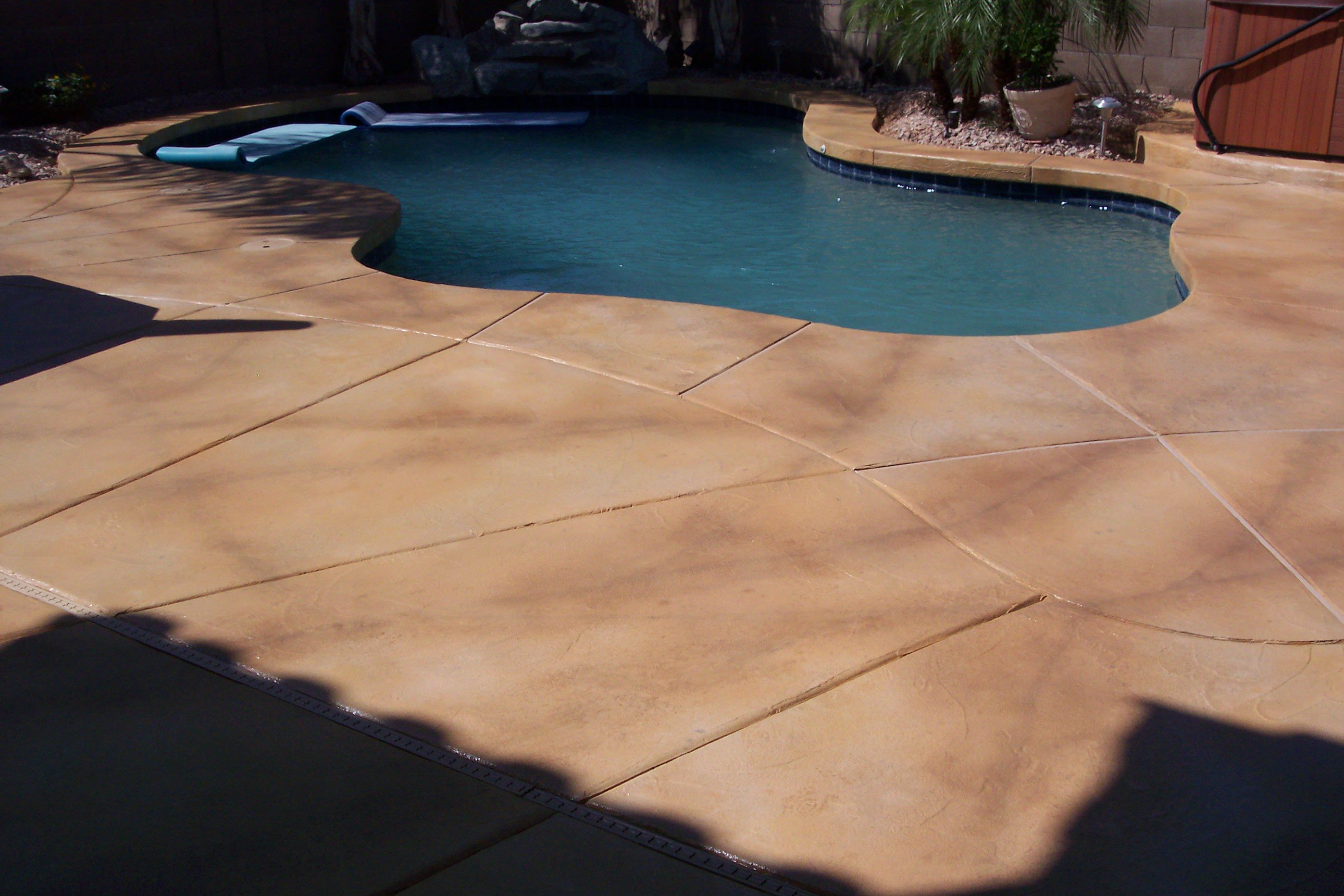 best decorative concrete floors - training, materials and tools