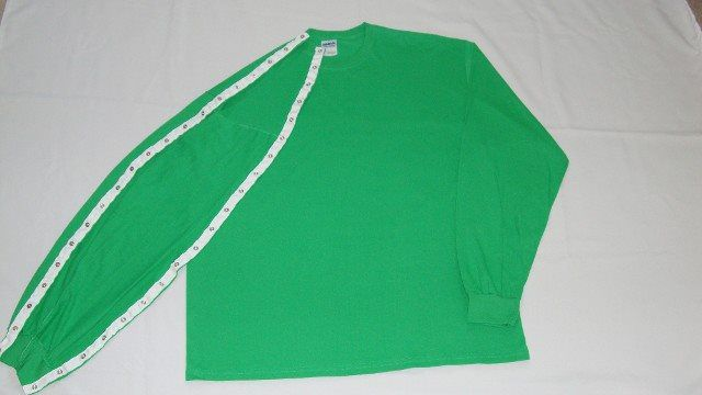 T-SHIRT STYLE - LONG SLEEVE DIALYSIS/CHEMO CLOTHING W/SNAPS