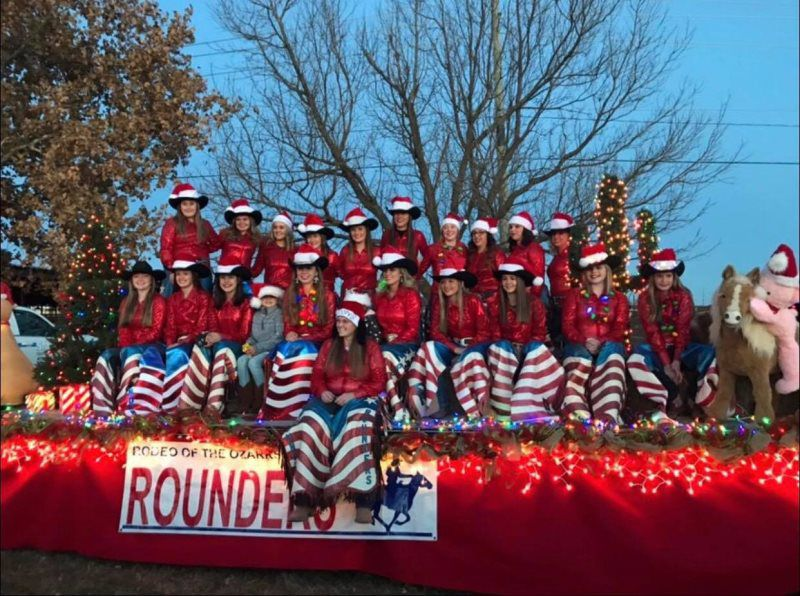 Christmas Parades Near Me 2019.Christmas Parade Rodeo Of The Ozarks