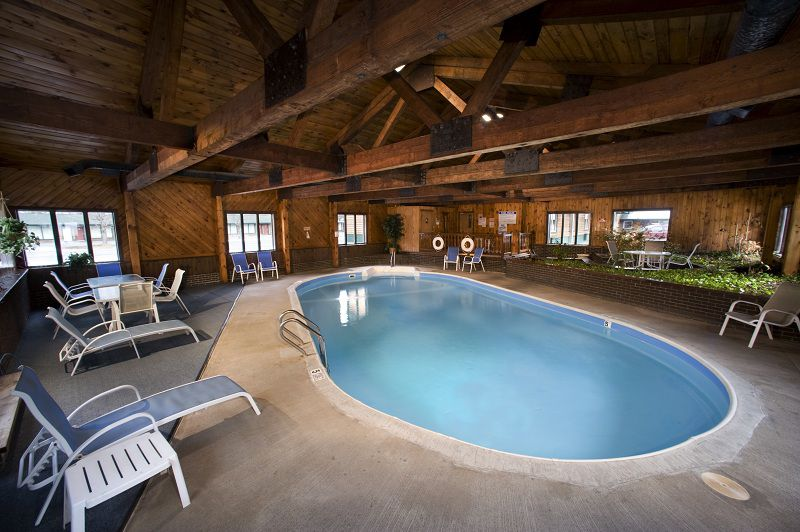Indoor Pool - Adirondack Lodge – Old Forge