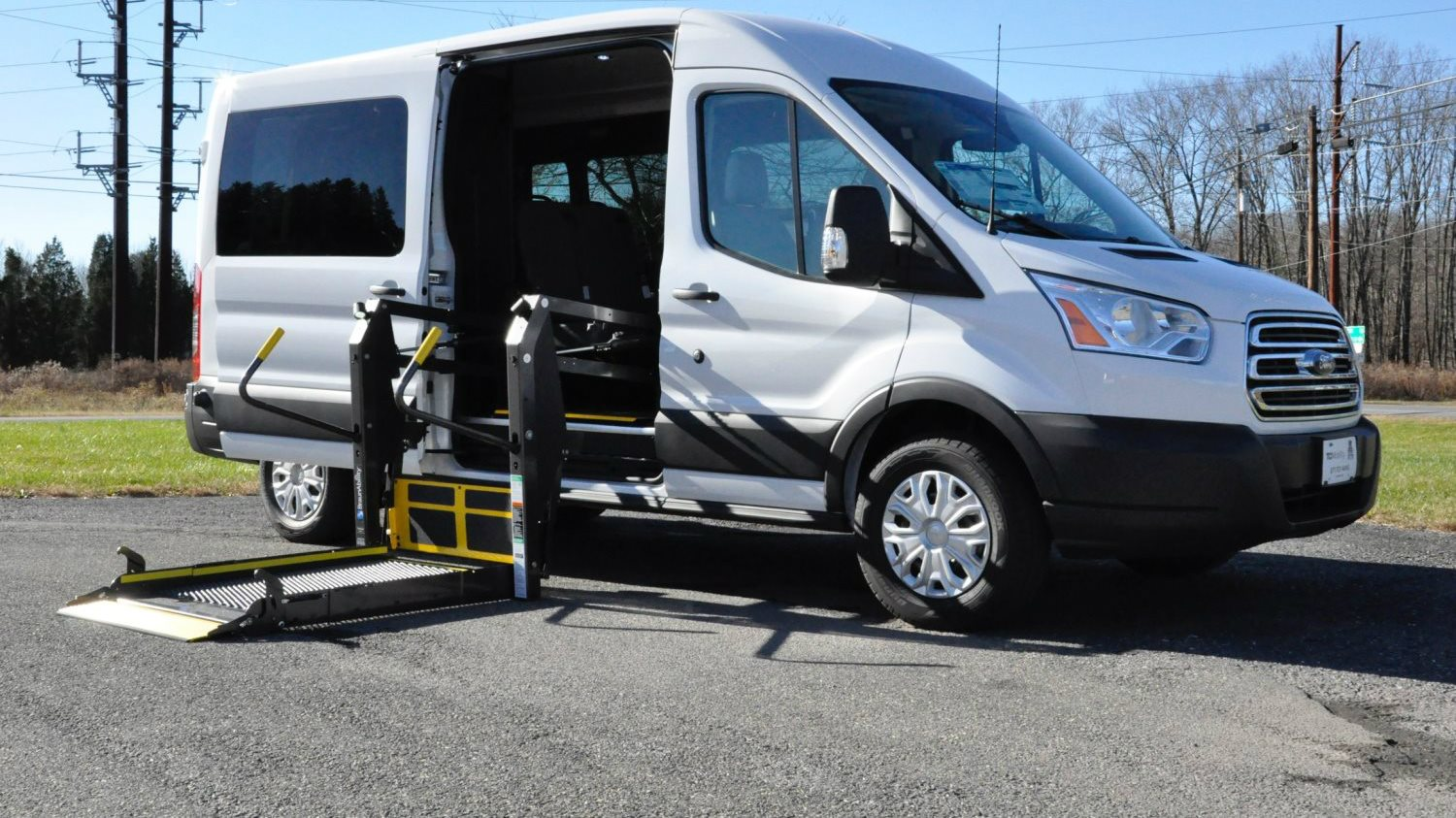 commercial vans tci mobility wheelchair accessible vans. Black Bedroom Furniture Sets. Home Design Ideas