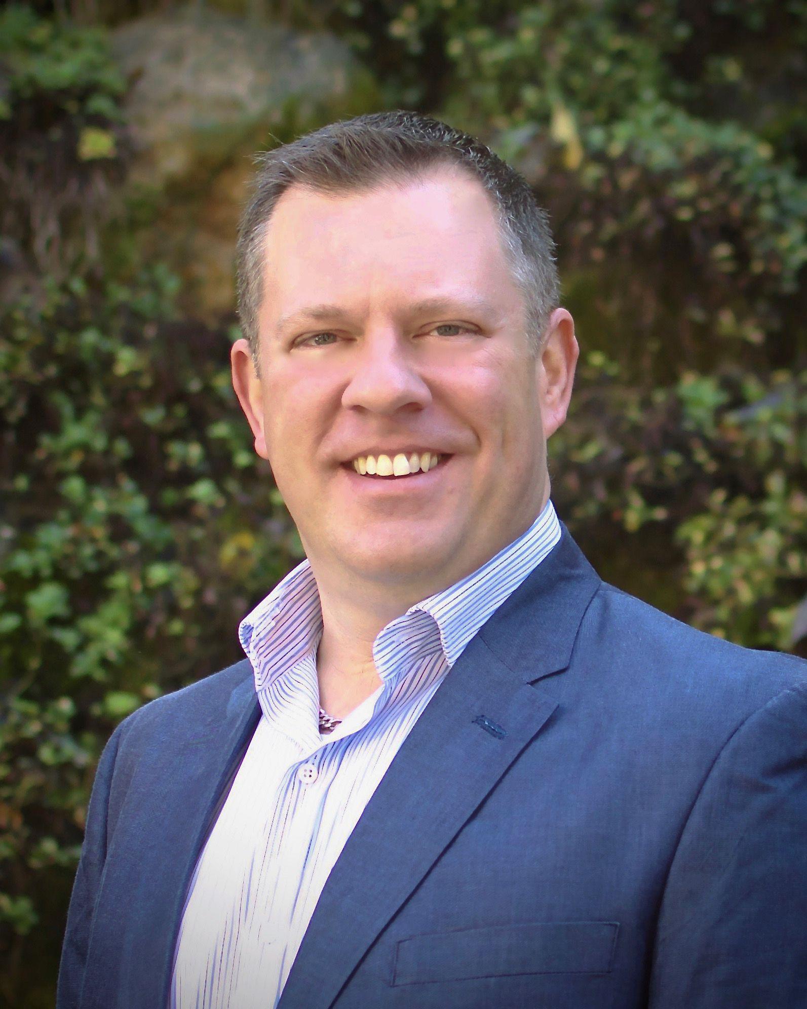 Allen Poppe Practice Director, Digital Business
