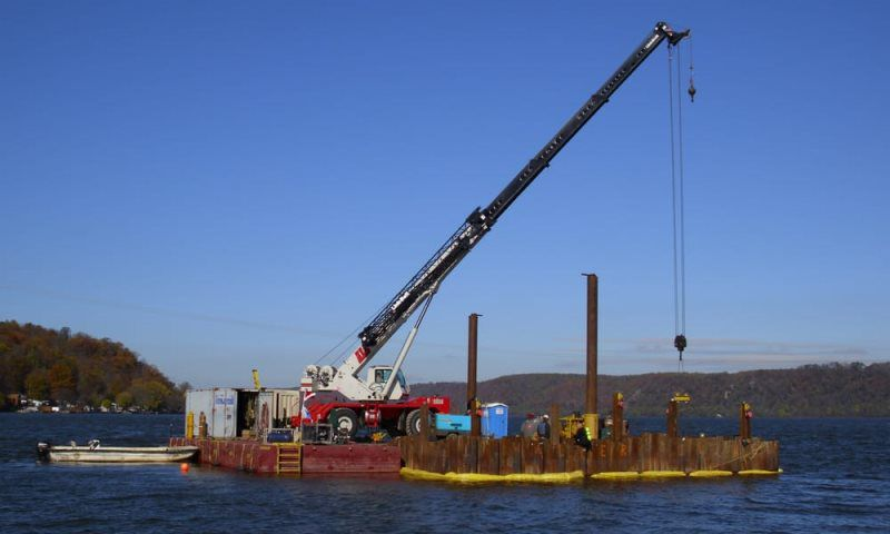 Pulling Crane
