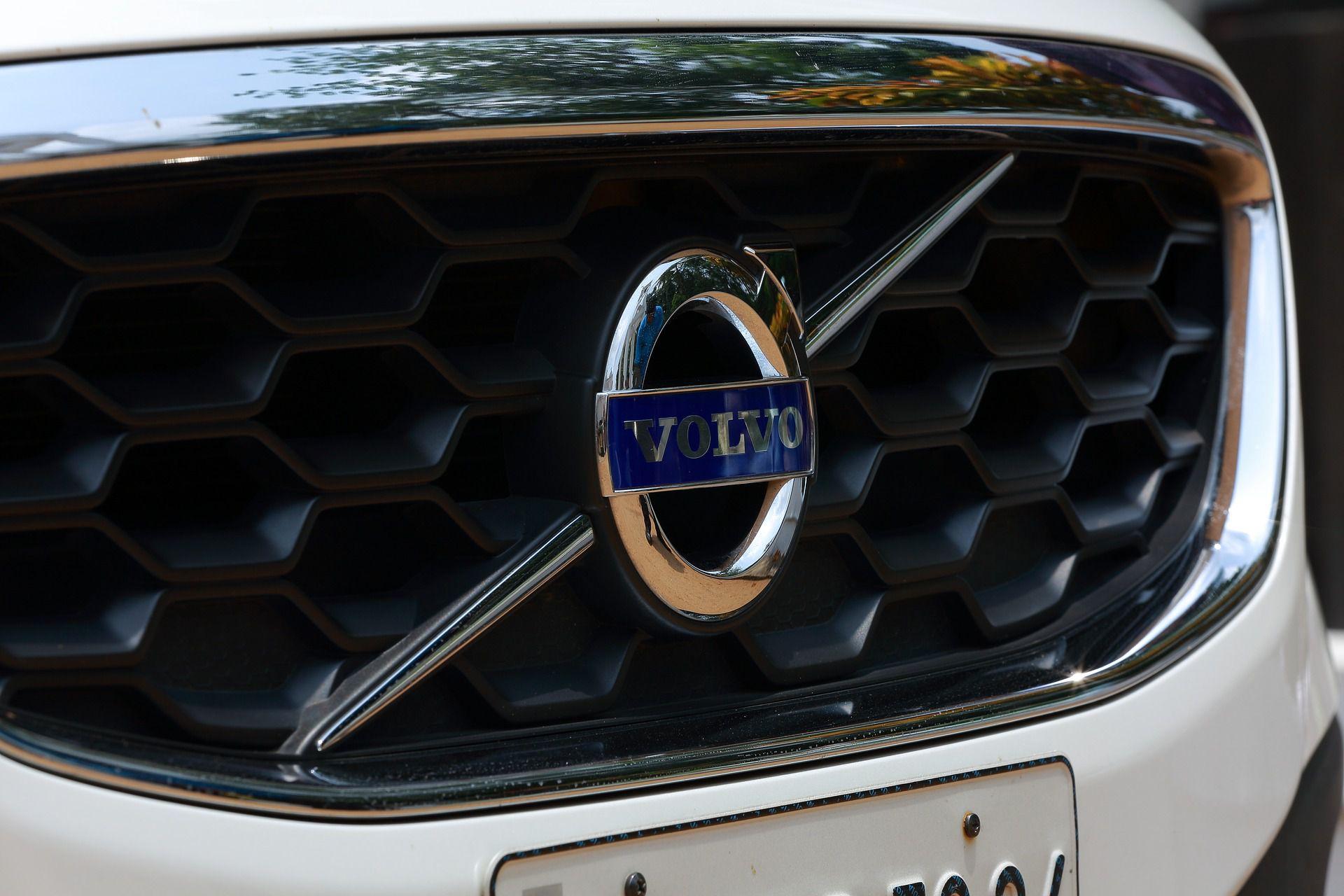 Best Mechanic Shop - Larry's Independent Volvo Service