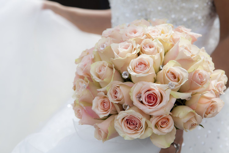 white roses flower bouquet