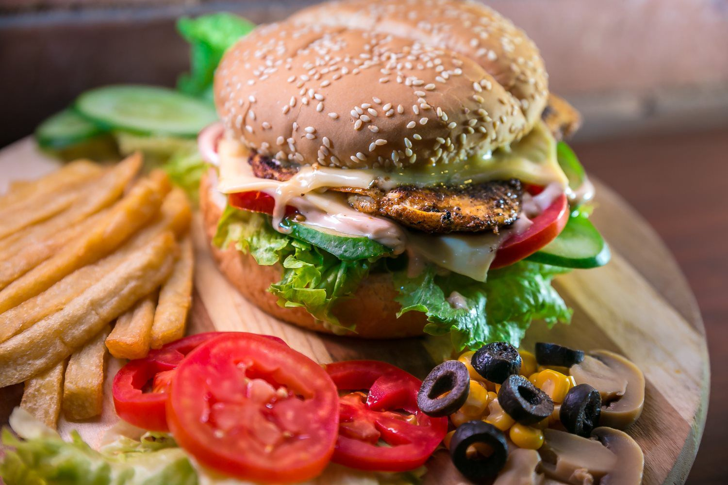 burger fries with vegetables