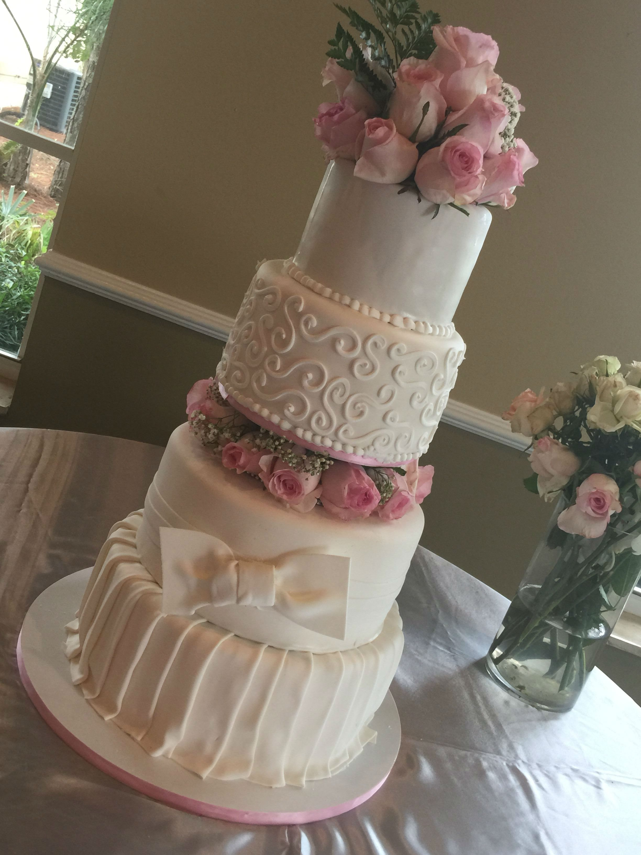 preparing a wedding cake beautiful custom cakes in fort fl the cake 18721