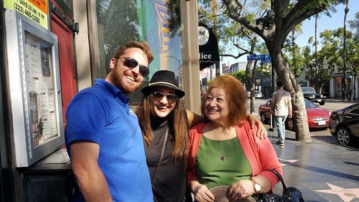 Our Hollywood tour is fully narrated by our fun and entertaining tour guides as you adventure through Hollywood's most popular sites.